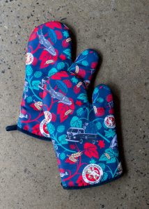 Little_Creatures_Merchandise_oven_mitts-1